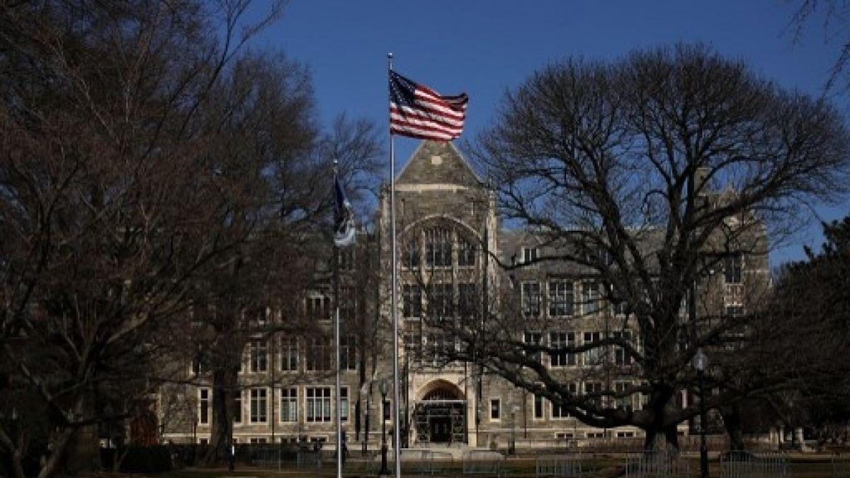 Chileno involucrado en fraude universitario en EE.UU. pagó fianza de 1 millón de dólares para quedar libre