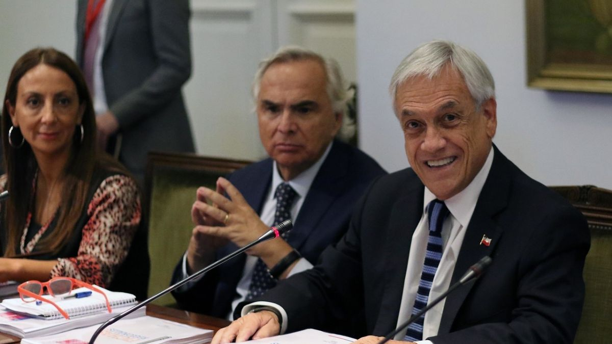 Piñera invitó a todo su gabinete al recital de Paul McCartney