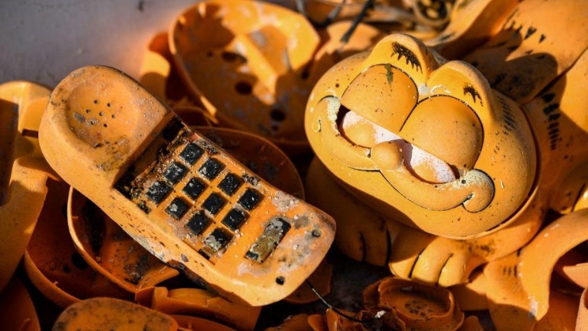 Luego de 30 años: resuelven el misterio de los teléfonos Garfield que aparecían en playas francesas