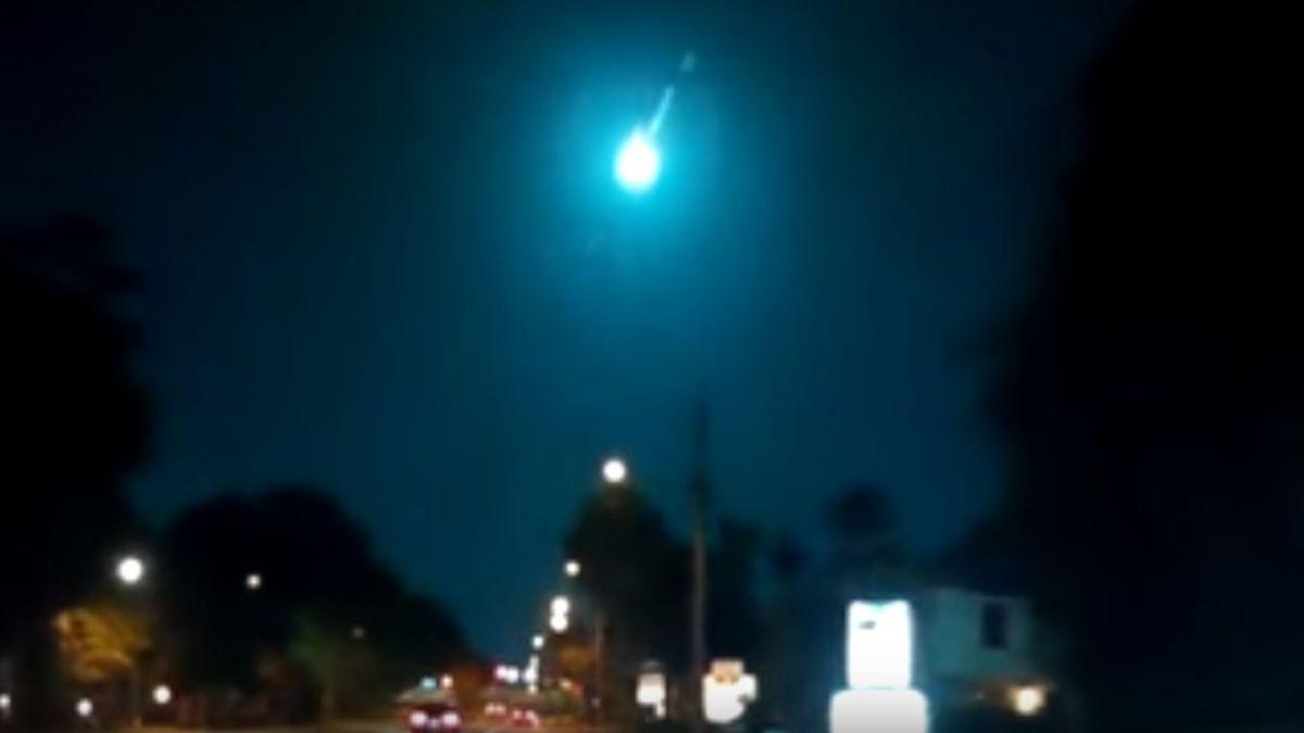 Las impactantes imágenes de un meteorito que ilumina el cielo de Florida