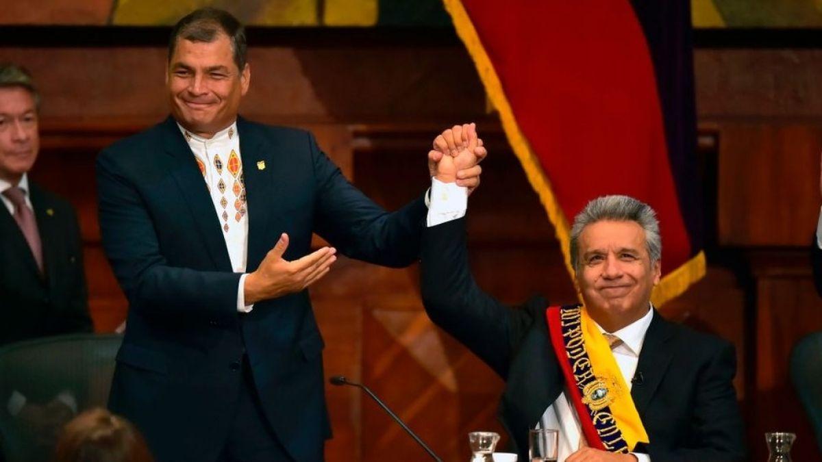 Rafael Correa junto a un recién proclamado presidente Lenin Moreno
