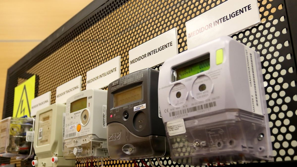 Gobierno confirma que cambio de medidores eléctricos será voluntario