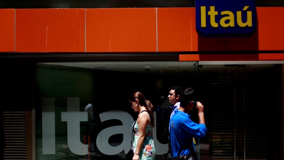 Operativo policial por asalto en Banco Itaú de Las Condes: delincuentes se llevaron $130 millones