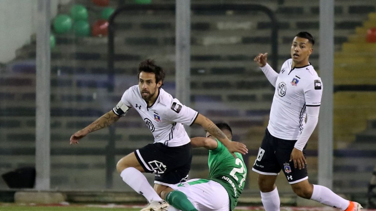 ¿Mal augurio?: Jorge Valdivia sale lesionado a los 8 minutos en el partido ante Audax Italiano