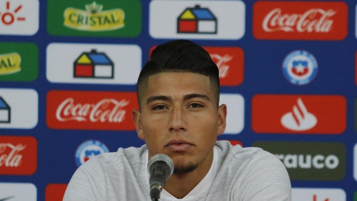 Brayan Cortés alaba a los cracks de la Roja: Vidal, Alexis, Gary, Charles, te exigen el 200%