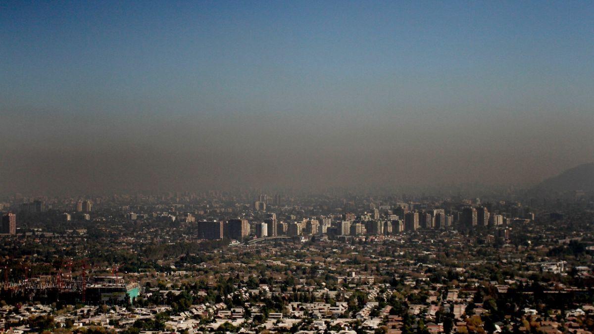 Intendencia Metropolitana decreta alerta medioambiental por mala calidad del aire