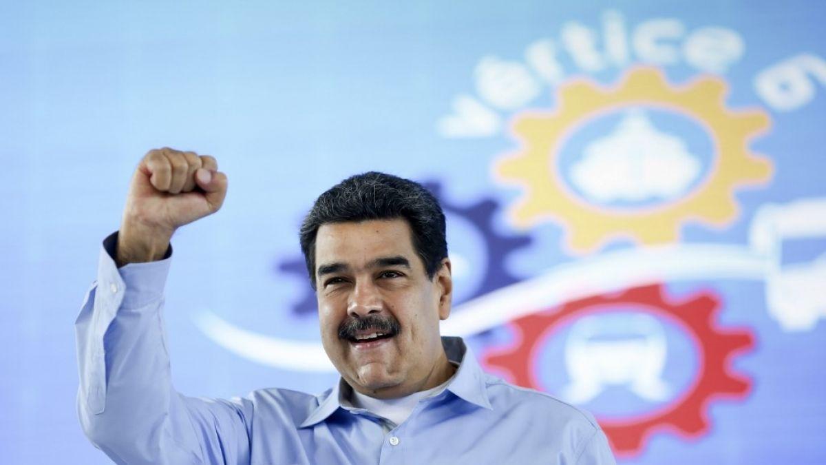 Delegados opositores viajan a Barbados para continuar diálogo con gobierno venezolano
