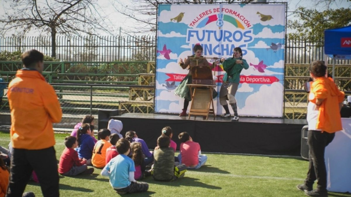 Estadio Seguro inicia talleres de formación de futuros hinchas responsables