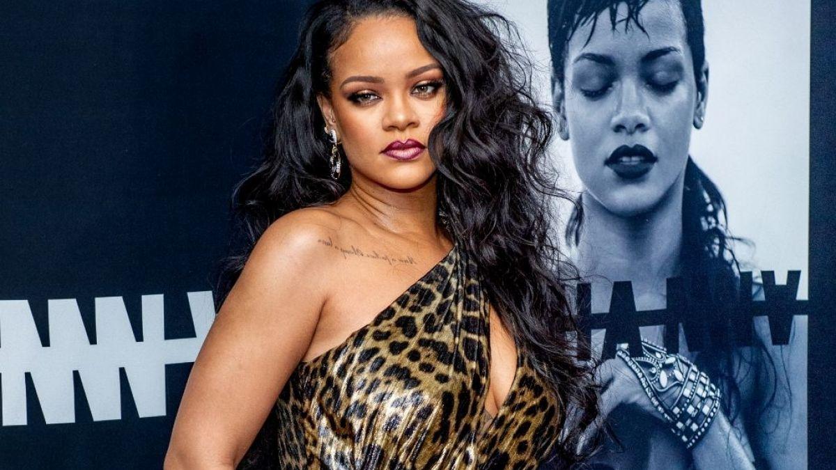 Cuales Son Los Tatuajes De Rihanna rihanna rompe instagram con caminata en slow motion y bikini