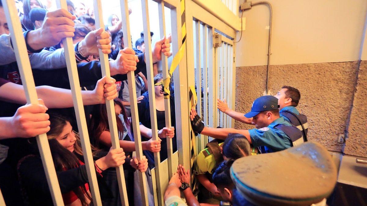 Bloquean Metro en Santiago: Así informan los medios internacionales las protestas en nuestro país