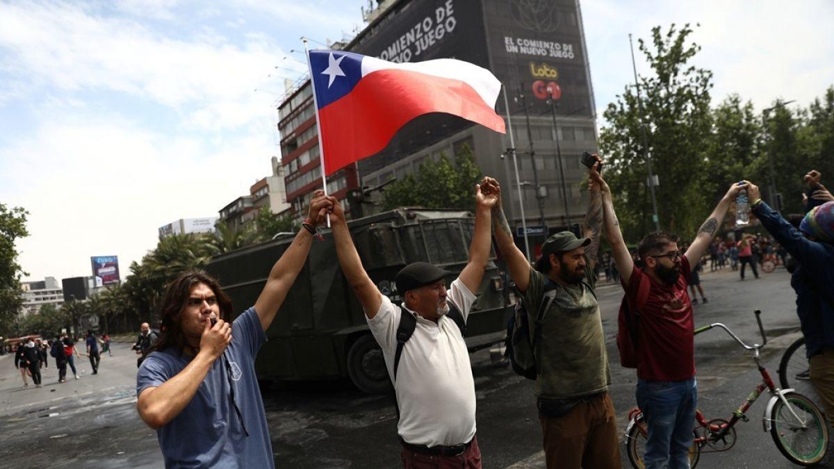Resultado de imagen para protesta chilenos