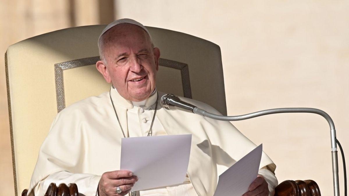 Papa Francisco insta al diálogo para encontrar soluciones en Chile