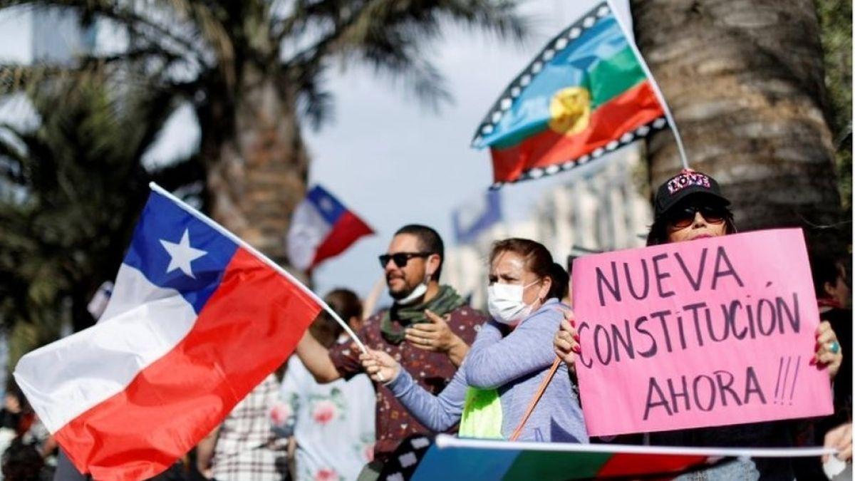 Gobierno de Chile convocará a un Congreso Constituyente para redactar nueva Carta Magna