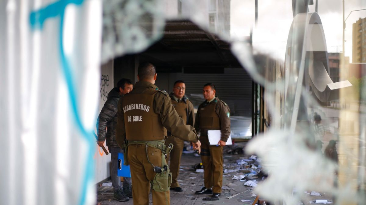Saqueos múltiples dejan cerca de 20 detenidos en la comuna de Quilicura