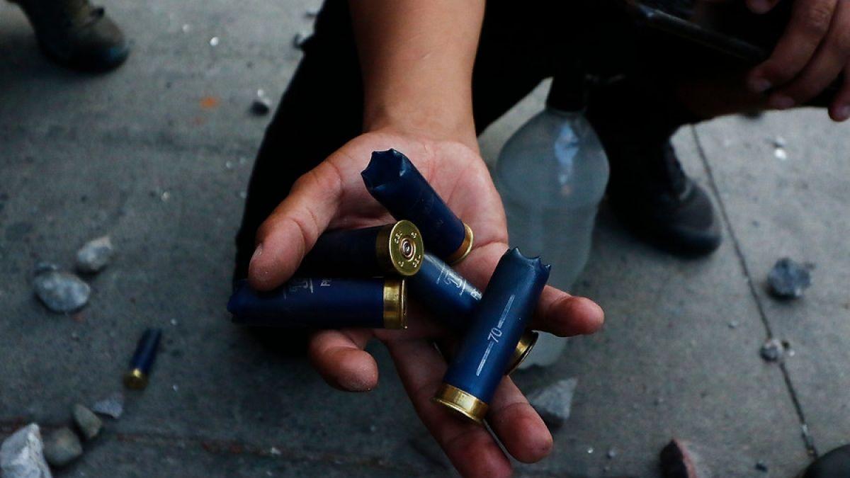 """Resultado de imagen para Suspenden el uso de """"perdigones de goma"""" como """"herramienta antidisturbios"""" en Chile"""""""