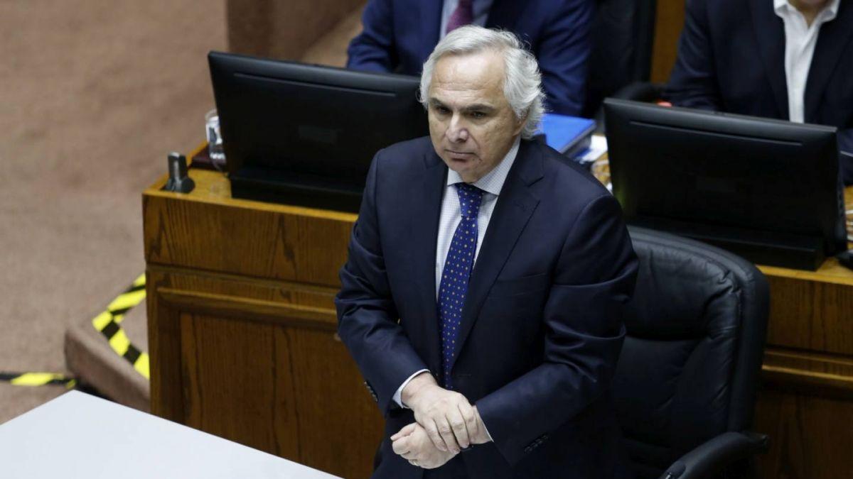 Senado inicia revisión de la acusación constitucional contra ex ministro Chadwick