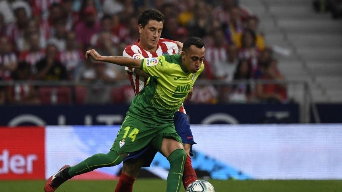 Fabián Orellana recibe duro castigo en España por discutir con un árbitro