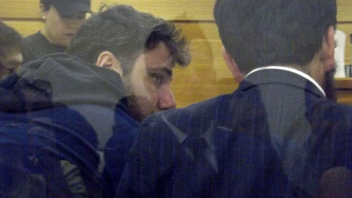 Reformalizan a concejal Karim Chahuán tras detención por saqueos
