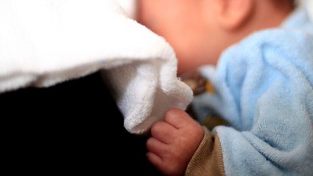 Alerta tras menor abandonada en Italia: Más de 300 niños han sido adoptados desde ese país