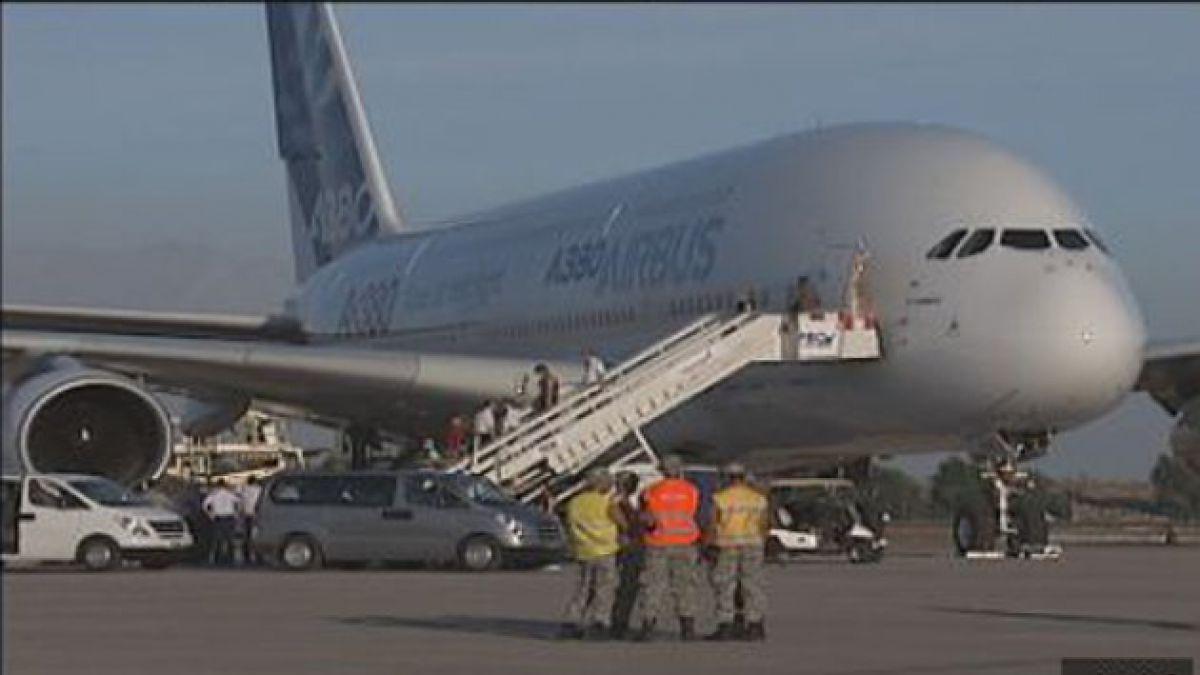 Avión de pasajeros más grande del mundo sobrevolará Santiago este jueves