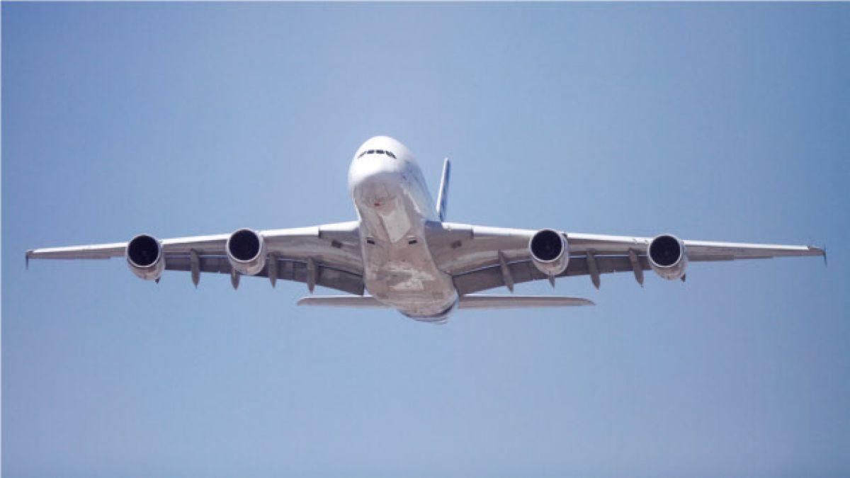 Así vieron los santiaguinos el paso del avión más grande del mundo