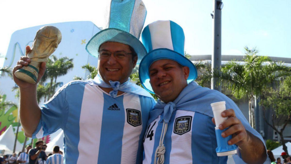 ¿Por qué los argentinos cantan que son los padres de los brasileños?