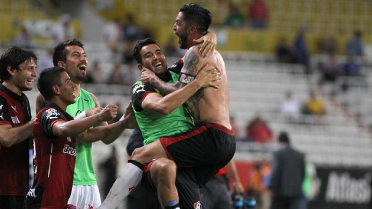 [VIDEO] Rodrigo Millar anotó por el Atlas y fue expulsado tras celebrar el gol
