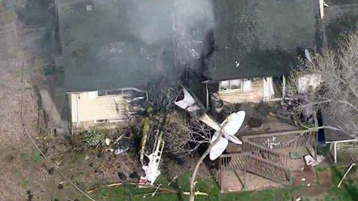 [VIDEO] EE.UU: Avioneta chocó contra casa y piloto salió casi ileso