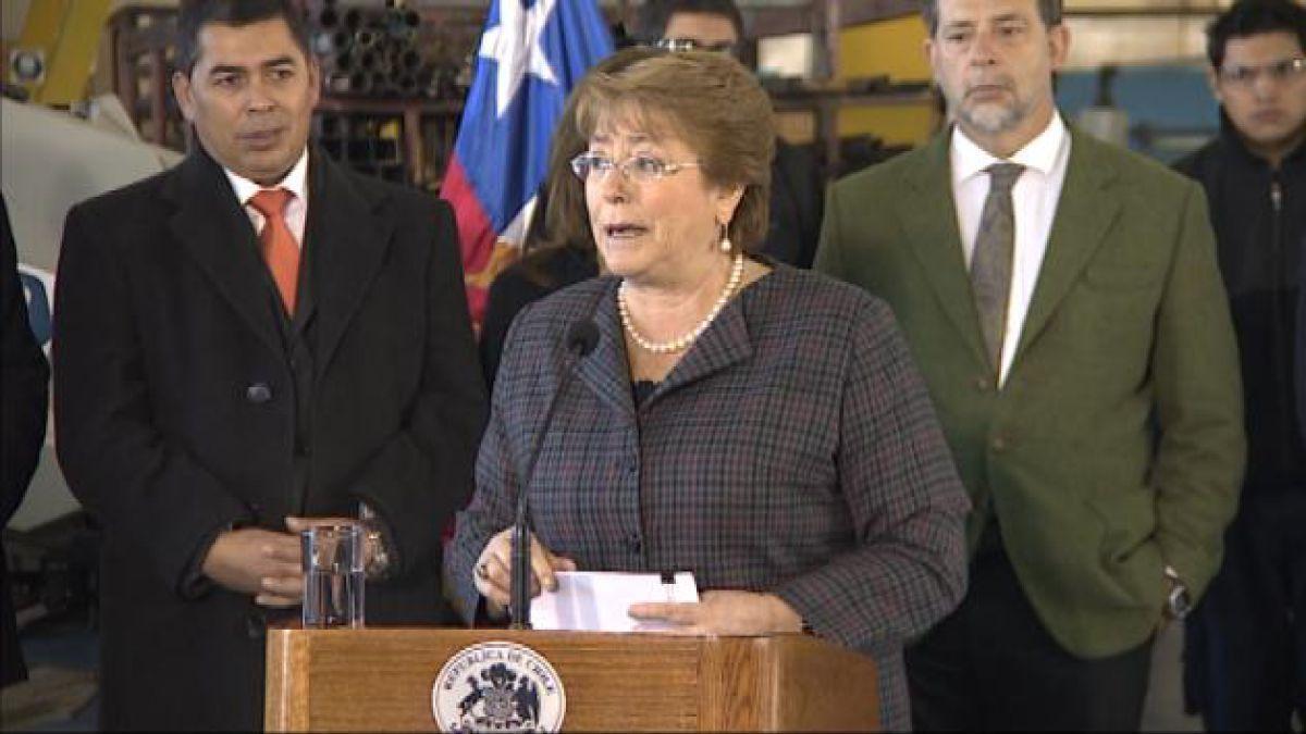 Bachelet a Escalona: Me siento orgullosa de que asumas la presidencia del Senado
