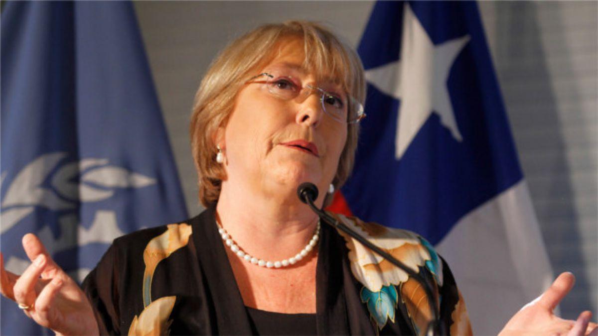 """Michelle Bachelet: """"La calle no puede tomar todas las decisiones"""""""