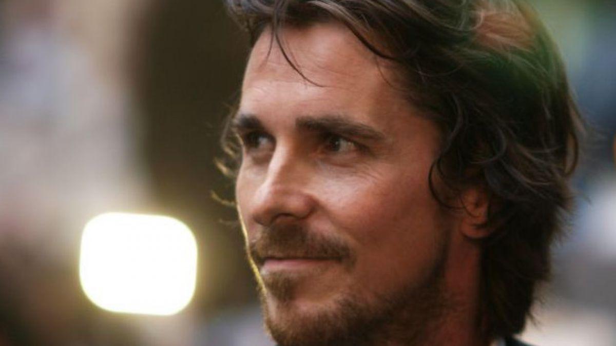 Revelan primera imagen de Christian Bale como Moisés