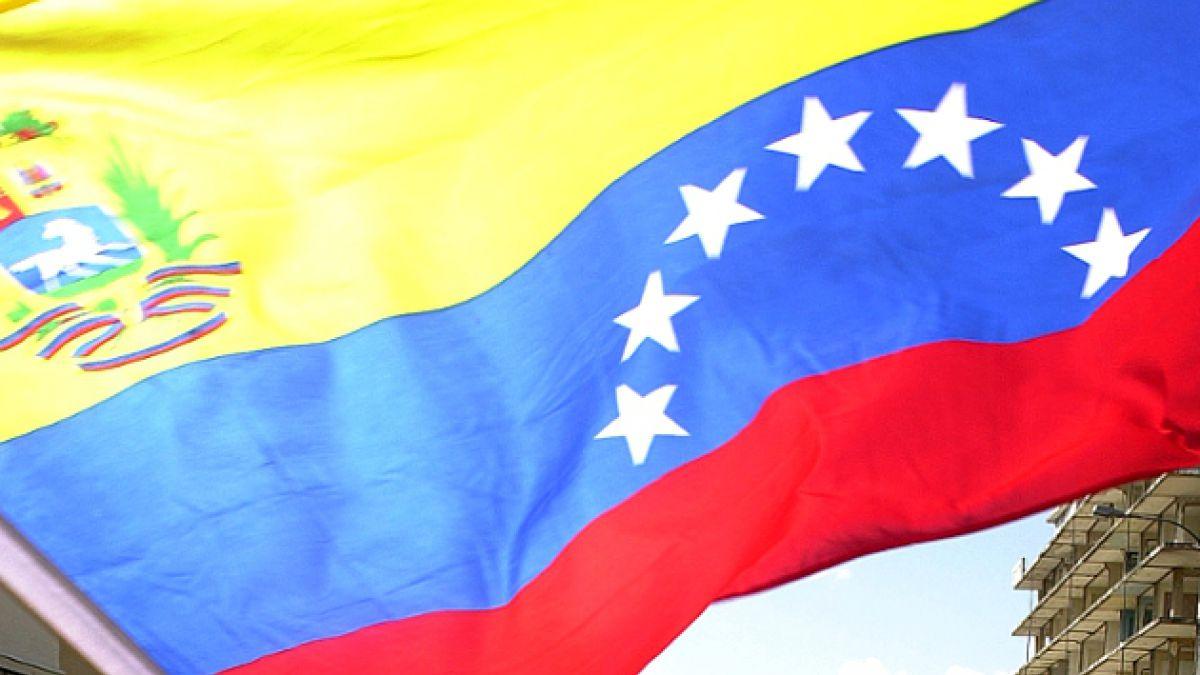 Ex ministro de Allende es designado embajador de Chile en Venezuela