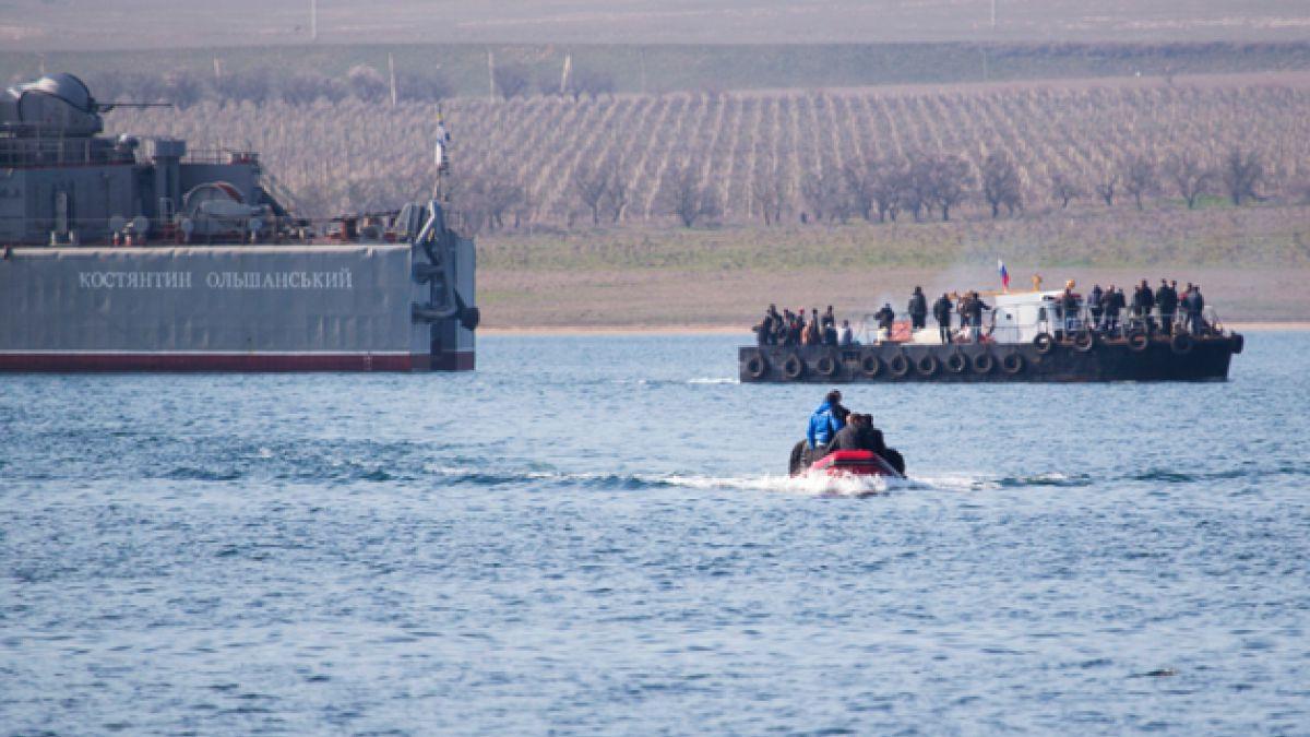 Fuerzas rusas se toman el último buque de Ucrania en Crimea