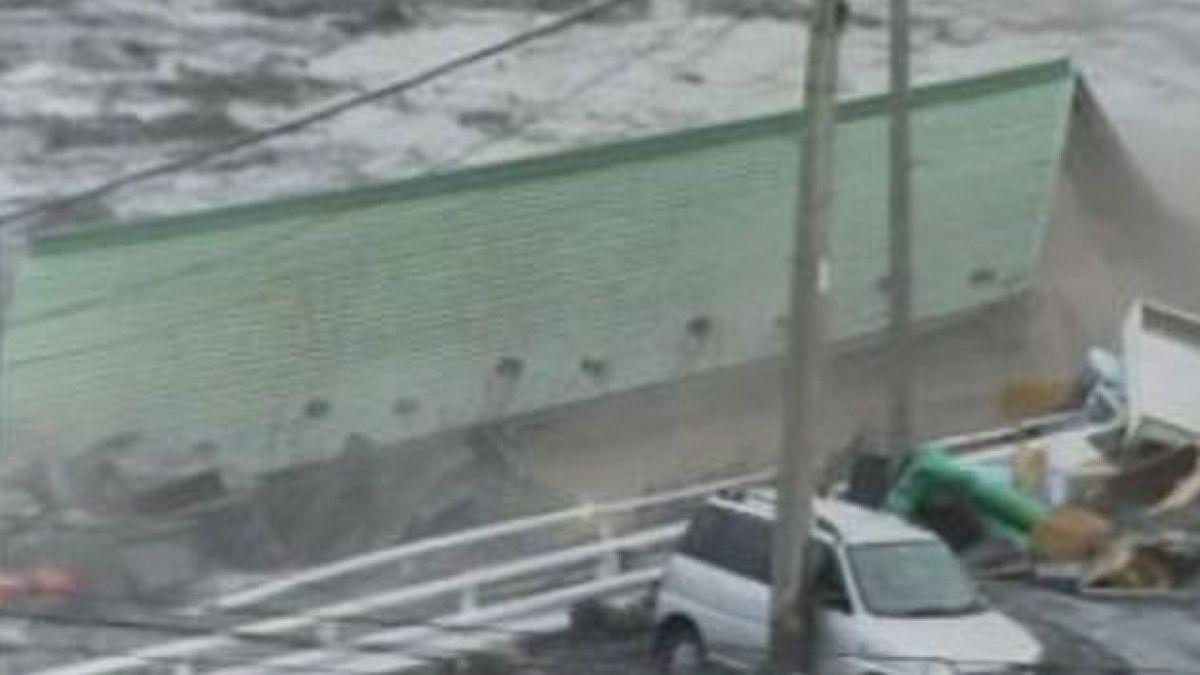 Avistan barco extraviado desde el tsunami de Japón en 2011