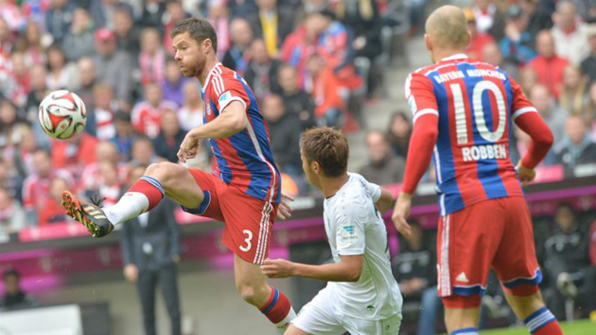 El Bayern golea al Hannover con dobletes de Lewandowski y de Robben