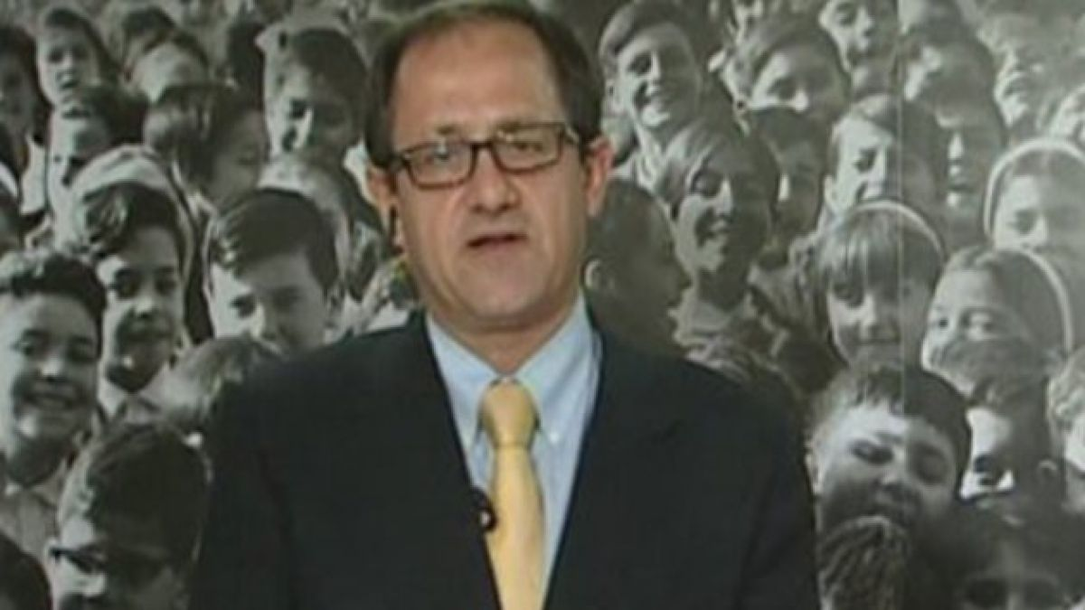 Ministro Beyer informó que el 76% de colegios dañados por terremoto concluyó su reconstrucción