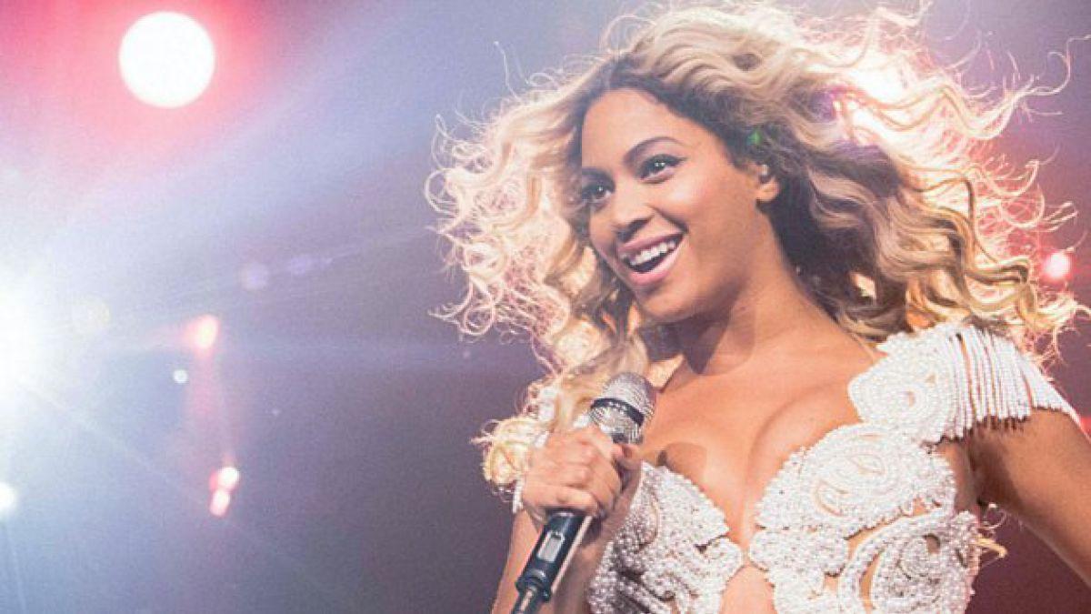 Beyoncé sorprende a la industria y publica disco sin promocionarlo
