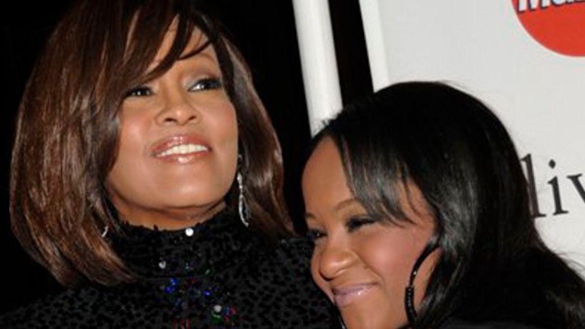 Hija de Whitney Houston quiere encarnarla en el cine