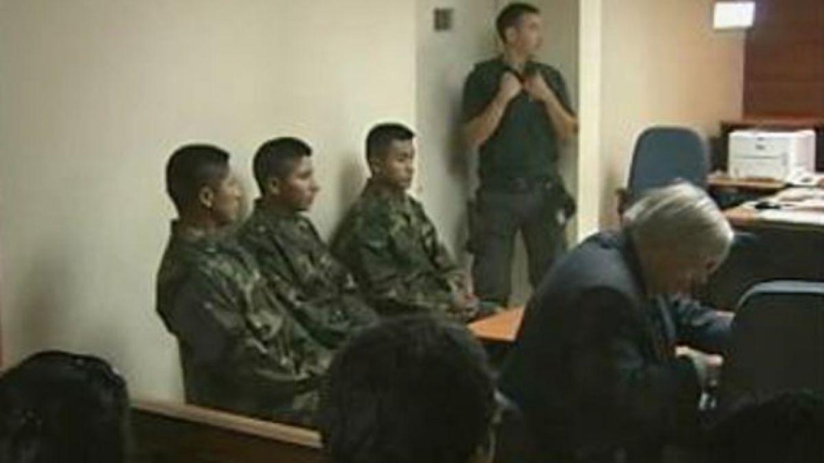 Bolivia condecora a soldados expulsados de Chile