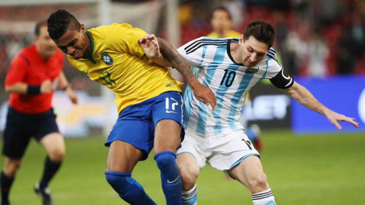 Brasil sorprende 2-0 en Asia en contra de una insegura Argentina
