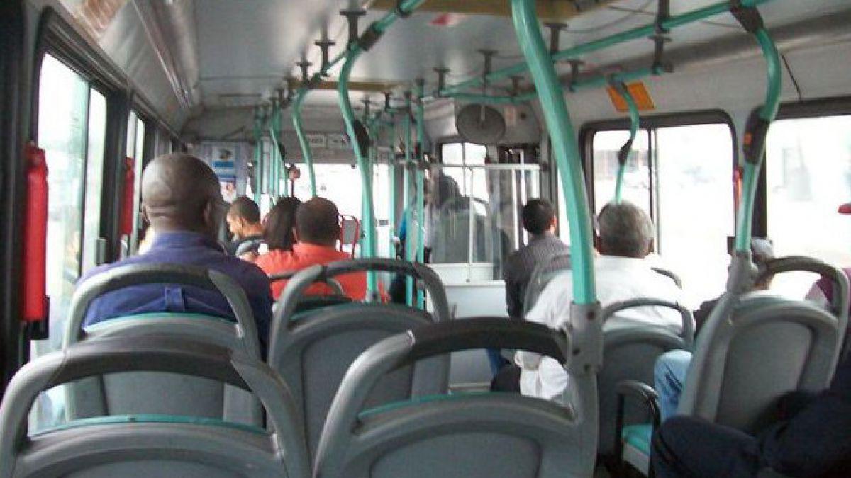 Prohíben escuchar música sin audífonos en transporte público de Río de Janeiro