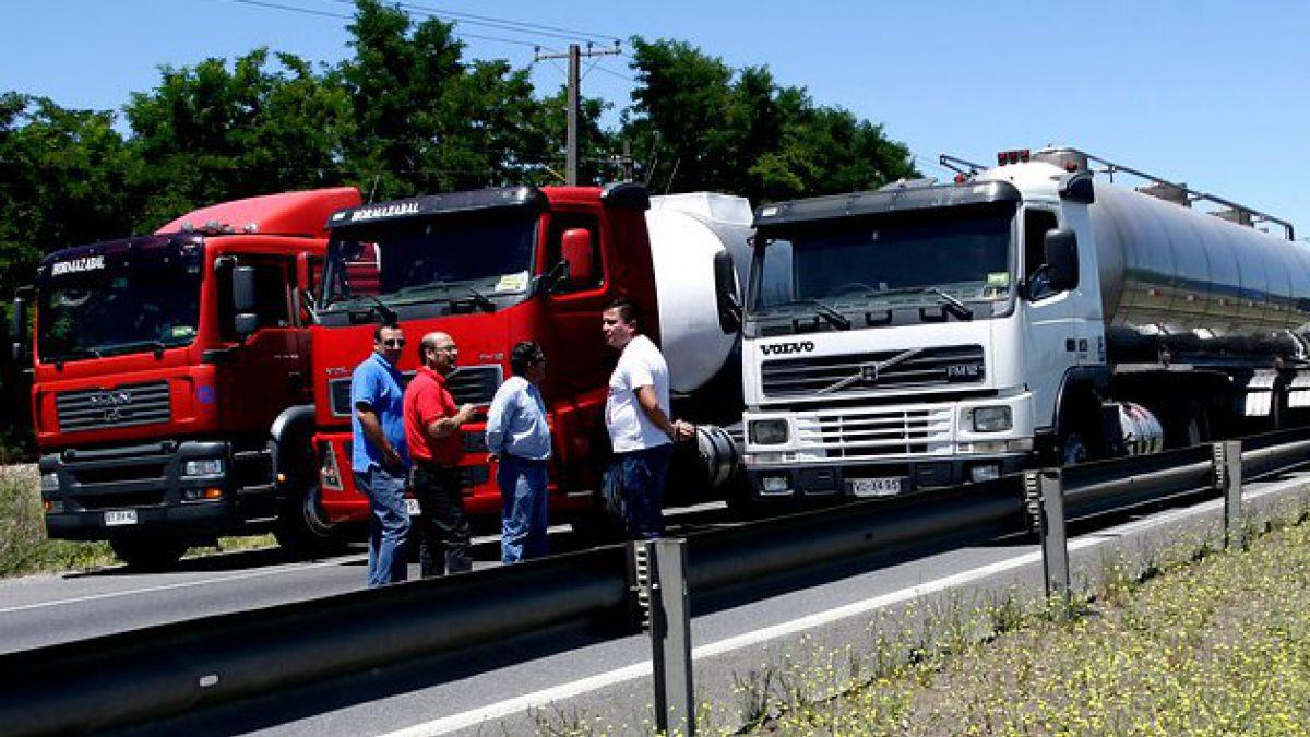 Confederación de camioneros expresa preocupación por paro portuario