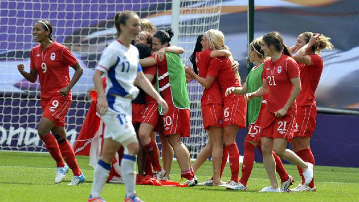 [JJ.OO.] Canadá se llevó el bronce en fútbol femenino