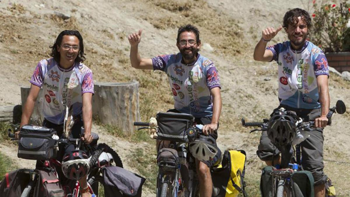 Tres ciclistas recorren toda América para promover el amor a la naturaleza