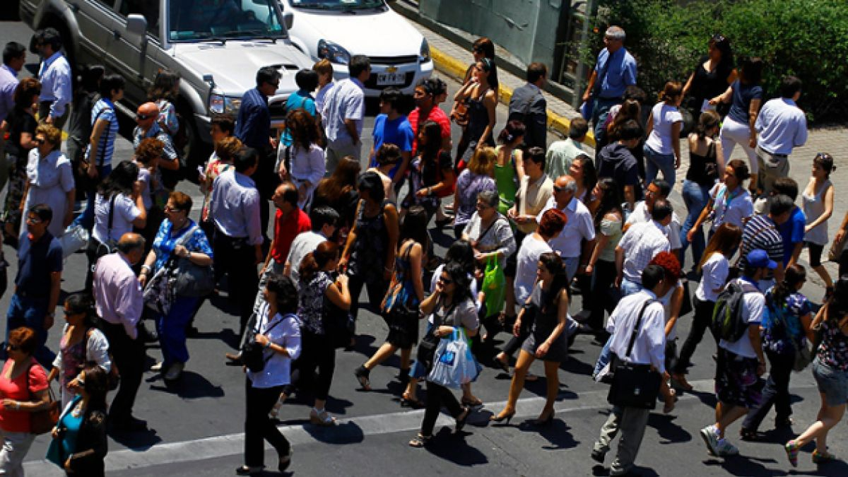 Tasa de desempleo en el Gran Santiago sube a 6,8% en marzo