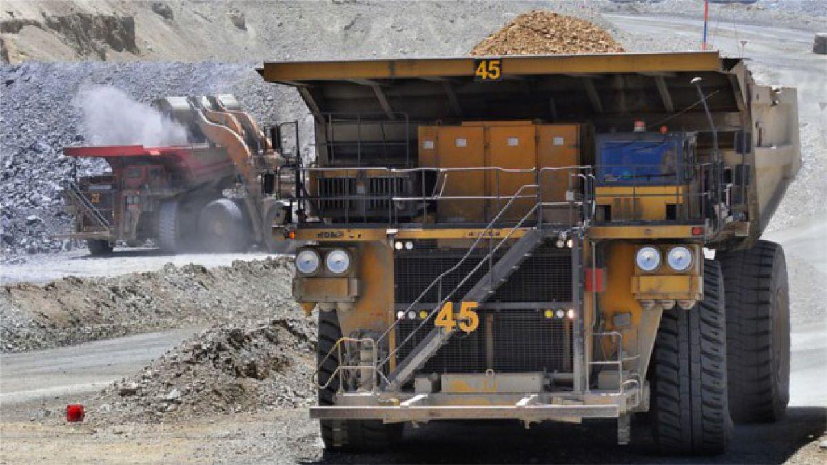 Cinco efectos en la economía de mantenerse el desplome del cobre