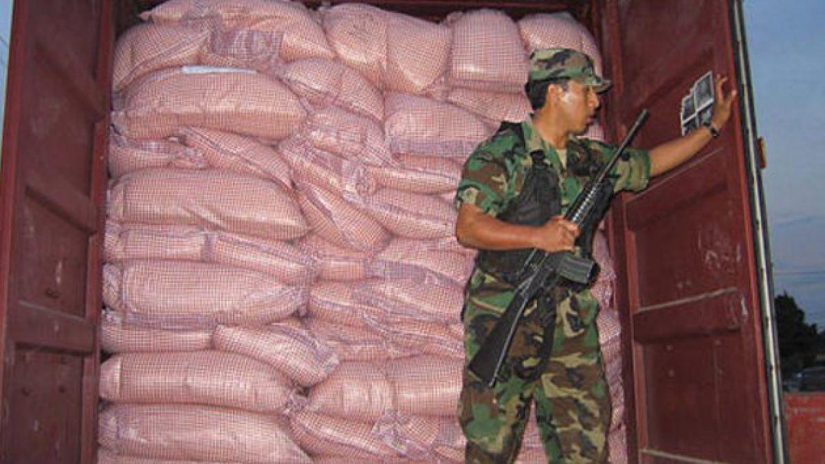 Policía antidroga de Bolivia interceptó camión con 390 kilos de cocaína