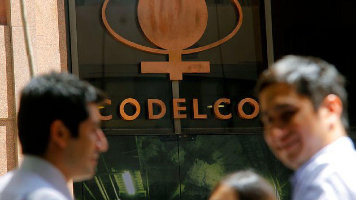 """Codelco suspende operaciones en división Ministro Hales por """"toma ilegal"""""""