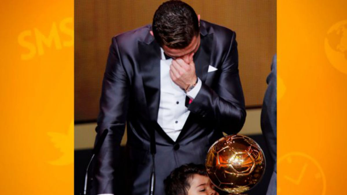 Cristiano Ronaldo recibe el Balón de Oro 2013