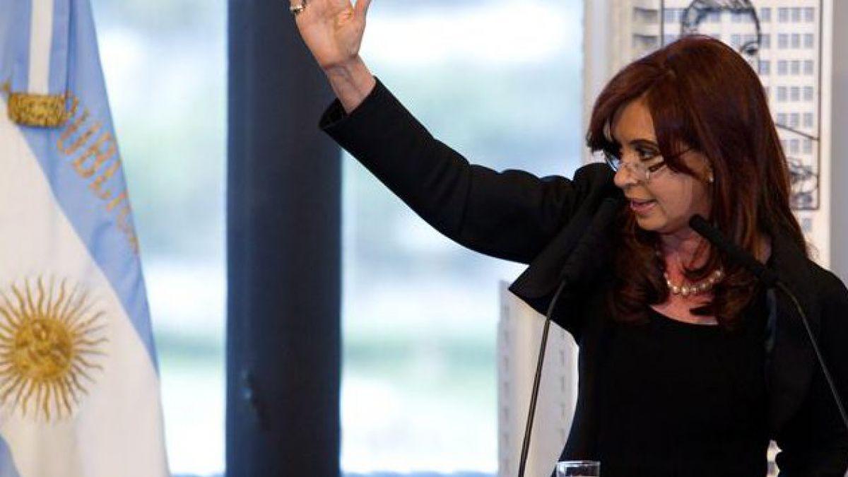 Cristina Fernández reitera rechazo a militarización de la región